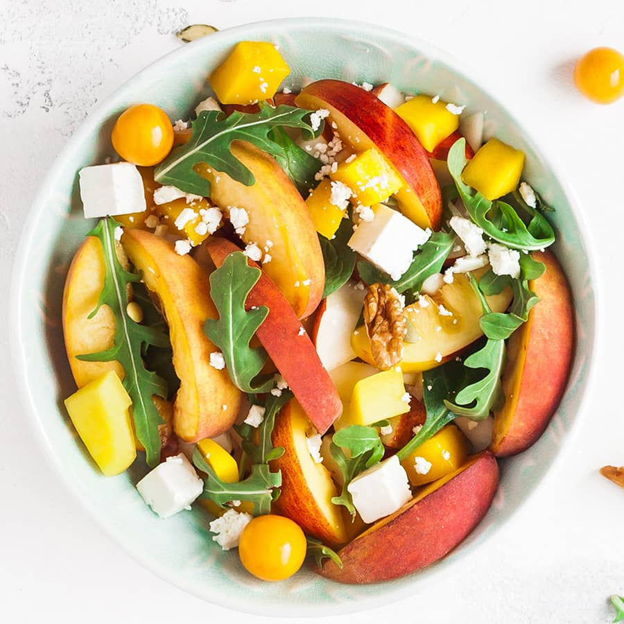 Salada de Rucula e Pessego com Granola